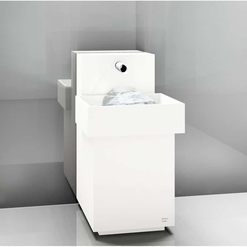 eisbrunnen-mit-integrierter-maschine-ueberstehendes-becken