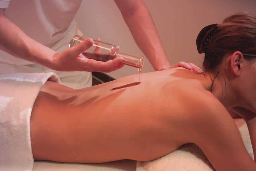 Massage_massage_tratment_Fire_Ice_Wellness_C9VQ9577